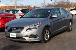 2017_Hyundai_Sonata_SE_ Fort Wayne Auburn and Kendallville IN