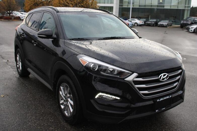 2017 Hyundai Tucson SE Sunroof,Heated seat, Backup Camera,Leather. Kelowna BC