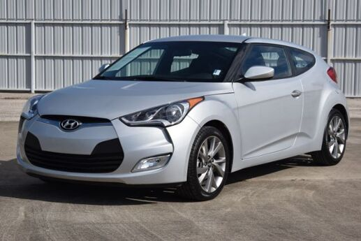2017 Hyundai Veloster Base 6AT Houston TX