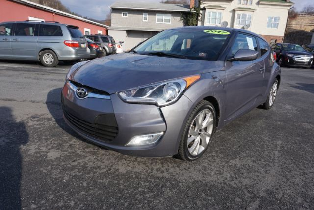 2017 Hyundai Veloster Base 6AT Schuylkill Haven PA