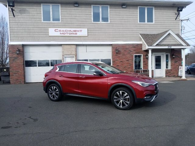 2017 INFINITI QX30 Premium East Windsor CT