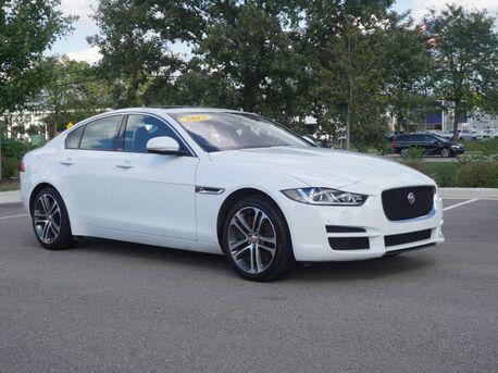 2017_Jaguar_XE_35t Premium_  Novi MI