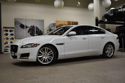 2017_Jaguar_XF_35t Prestige_ Boston MA