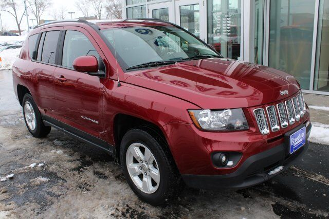 2017 Jeep Compass Latitude Green Bay WI