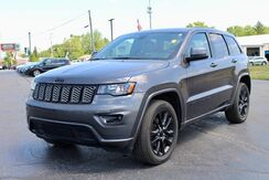 2017_Jeep_Grand Cherokee_Altitude_ Fort Wayne Auburn and Kendallville IN