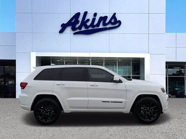 2017 Jeep Grand Cherokee Altitude Winder GA