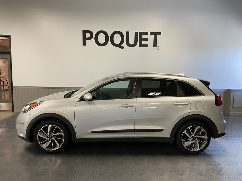 2017 Kia Niro Touring Golden Valley MN