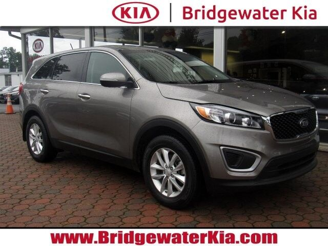 2017 Kia Sorento L, Remote Keyless Entry, Multi-Function Steering Wheel, In-Dash CD/MP3-Player, Bluetooth Technology, Drive Mode Select, 17-Inch Alloy Wheels, Bridgewater NJ