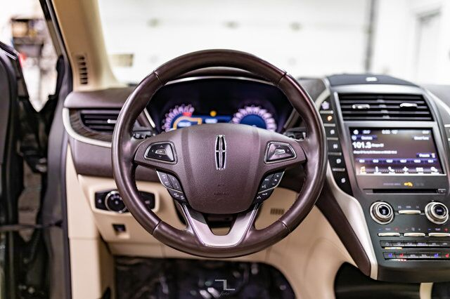 2017 Lincoln MKC AWD Reserve Leather Roof Nav BCam Red Deer AB