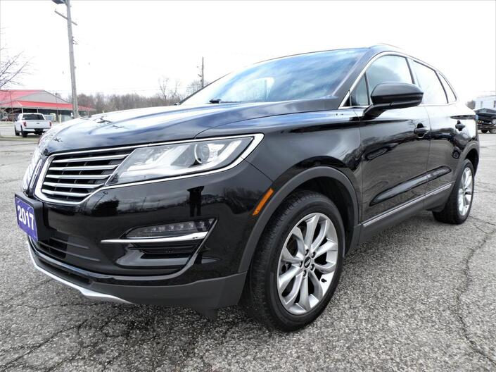 2017 Lincoln MKC *SALE PENDING* Select | Navigation | Remote Start | Blind Spot Detection Essex ON
