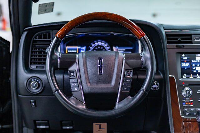 2017 Lincoln Navigator AWD Select Leather Roof Nav BCam Red Deer AB