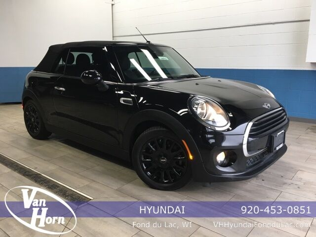 2017 MINI Cooper Base Milwaukee WI