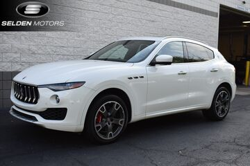 2017_Maserati_Levante_S AWD_ Willow Grove PA