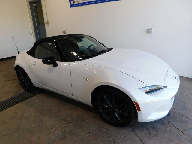2017 Mazda MX-5 CLUB NAV *MANUAL* Listowel ON