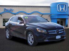 2017_Mercedes-Benz_GLA_GLA 250_ Libertyville IL