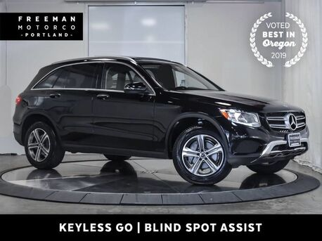 2017_Mercedes-Benz_GLC 300_4MATIC Keyless Go Blind Spot Assist Nav Pano Tow_ Portland OR