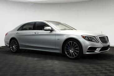 2017_Mercedes-Benz_S-Class_S 550e Plug-In Hybrid Sport AMG 20'' Blind Spot Driving Assistance_ Houston TX