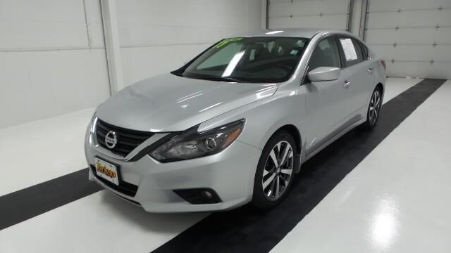 2017 Nissan Altima 2.5 SR Sedan Manhattan KS