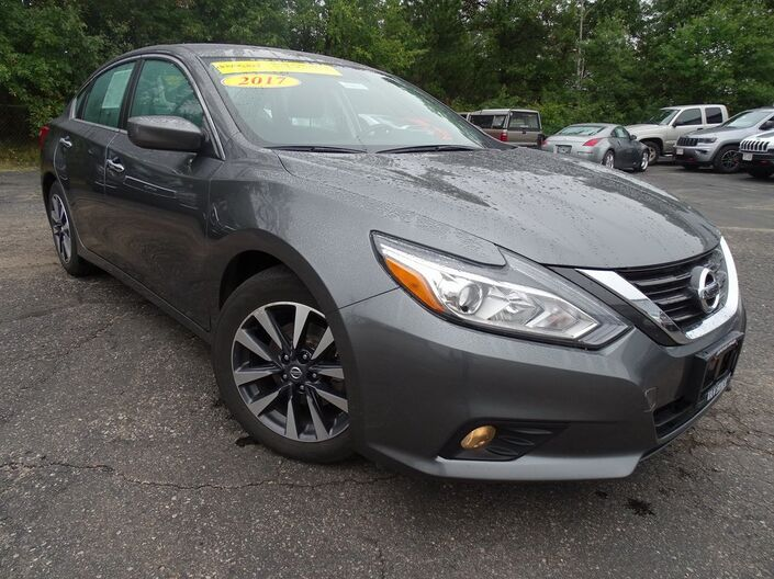 2017 Nissan Altima 2.5 SV Plymouth WI