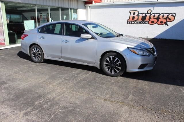 2017 Nissan Altima 2.5 SV Sedan Fort Scott KS