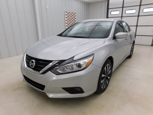 2017 Nissan Altima 2.5 SV Sedan Manhattan KS