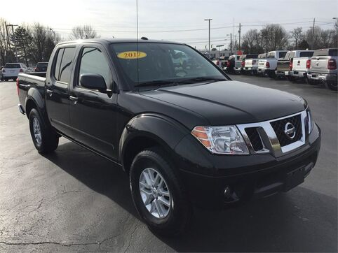 2017_Nissan_Frontier_Crew Cab 4x4 SV V6 Manual_ Evansville IN