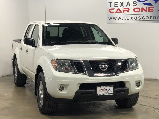 2017 Nissan Frontier SV V6 CREW CAB 4WD AUTOMATIC REAR CAMERA HEATED SEATS CRUISE CONTROL TOWING HITCH Carrollton TX