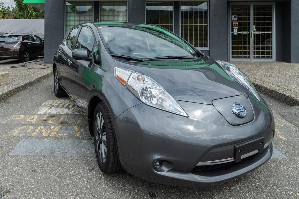 2017 Nissan Leaf SV | Quick Charge | Nav | Heated Seats Coquitlam BC
