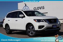 2017_Nissan_Pathfinder_SV_ Clovis CA