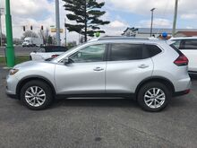 2017_Nissan_Rogue_SV_ Fort Wayne Auburn and Kendallville IN