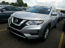 2017_Nissan_Rogue_SV_ Golden Valley MN
