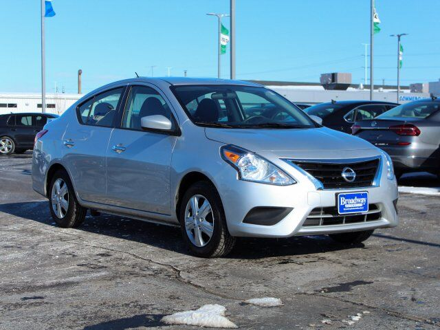 2017 Nissan Versa Sedan SV Green Bay WI