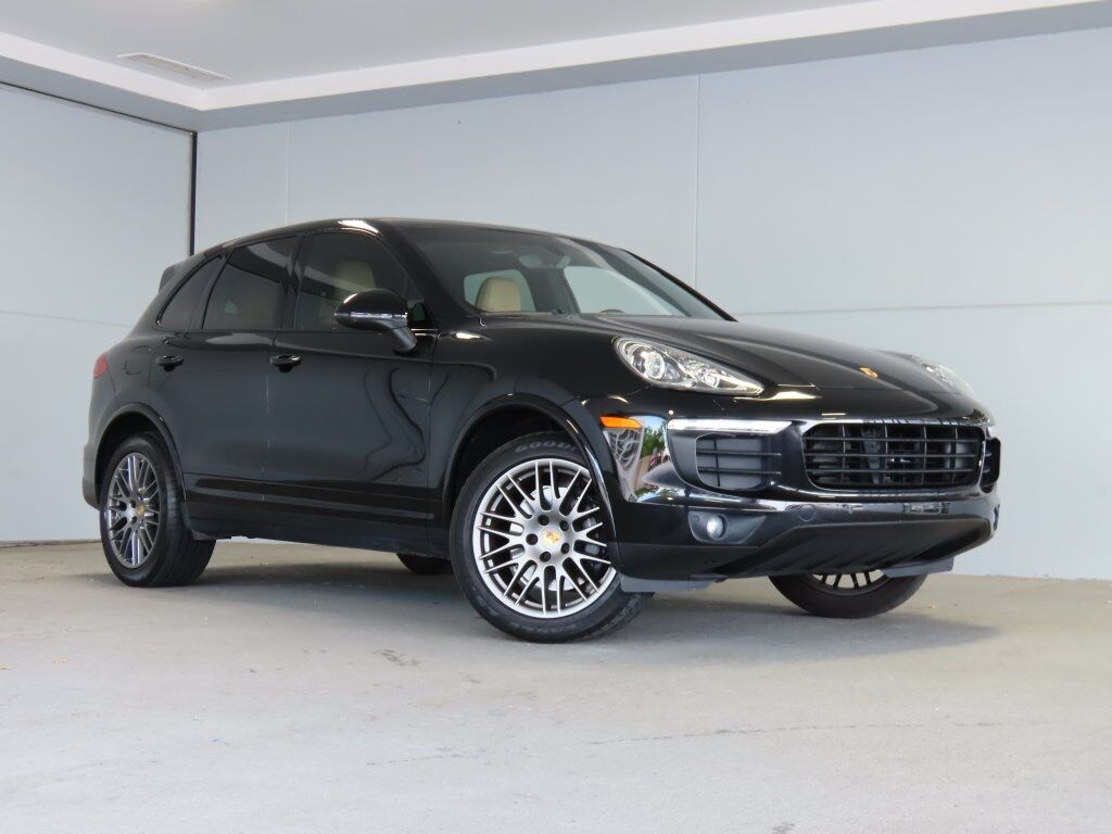 2017 Porsche Cayenne Platinum Edition Merriam KS