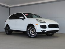 2017_Porsche_Cayenne_Platinum Edition_ Kansas City KS