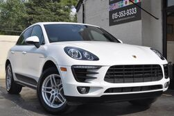 Porsche Macan AWD/Convenience Pkg w/ PCM Navigation/Sport Chrono/Pano Roof/Lane Change Assist w/ Lane Keep Assist/Premium Pkg w/ Park Assist, Rear View Camera/Heated Front Seats/Heated Steering Wheel 2017
