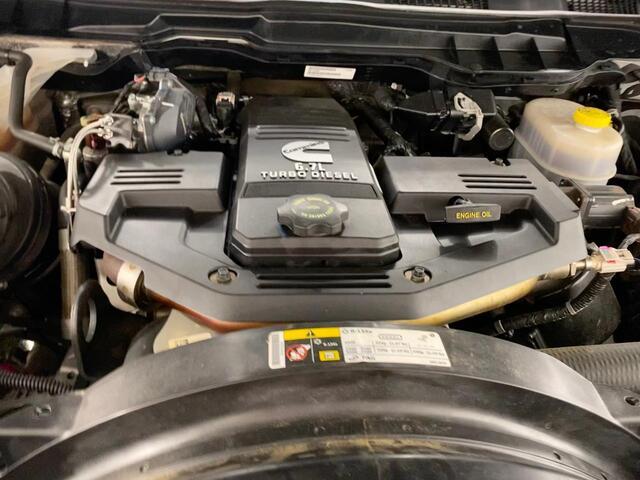 2017 RAM 3500 CREW CAB 4X4 SLT 6 SPEED MANUAL TRANSMISSION Bridgeport WV