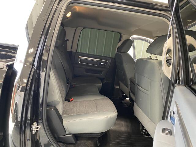 2017 RAM 3500 CREW CAB 4X4 LONE STAR 6 SPEED MANUAL TRANSMISSION Bridgeport WV