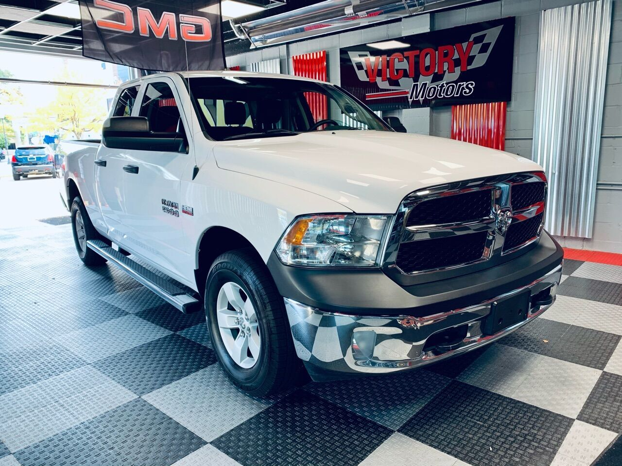 2017 RAM Ram Pickup 1500 Express 4x4 4dr Quad Cab 6.3 ft. SB Pickup Royal Oak MI