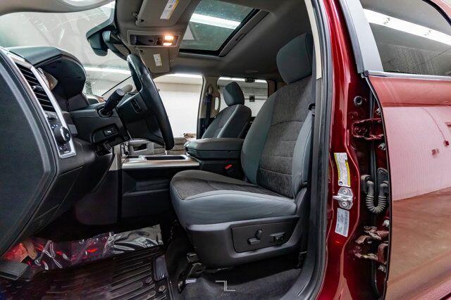 2017 Ram 2500 4x4 Crew Cab SLT HEMI Nav Roof BCam Red Deer AB