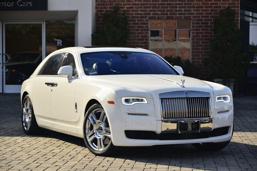 2017_Rolls-Royce_Ghost__ Beverly Hills CA