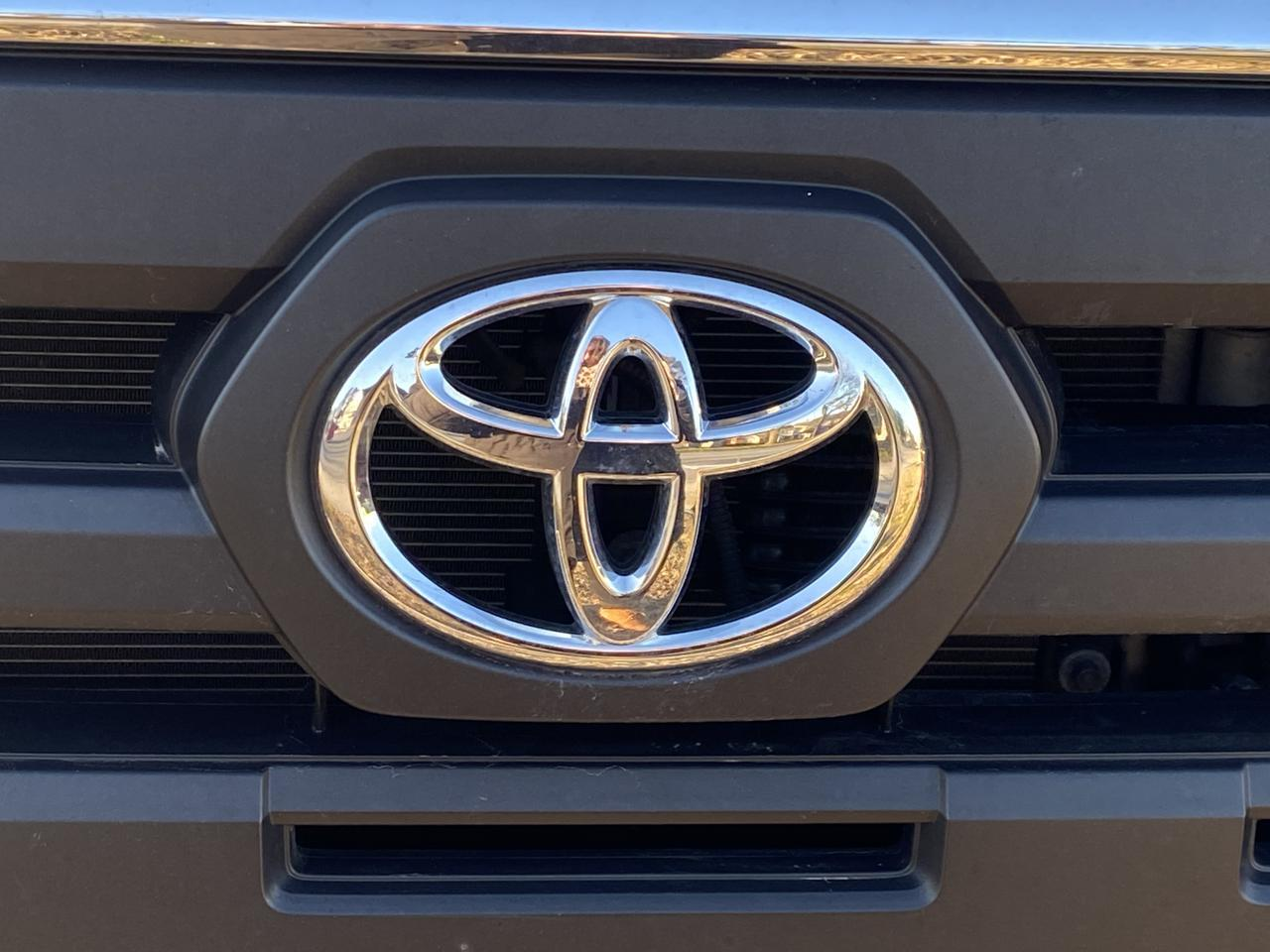 2017 TOYOTA TACOMA SR5 DOUBLE CAB, WARRANTY, BACKUP CAM, PARKING SENSORS, NAV, BLUETOOTH, LOW MILES, CLEAN CARFAX! Norfolk VA