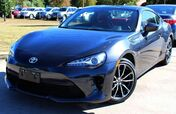 2017 Toyota 86 w/ NAVIGATION & LEATHER SEATS