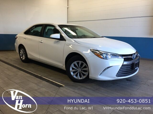 2017 Toyota Camry Hybrid LE Plymouth WI