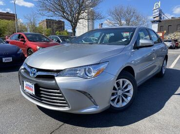 2017_Toyota_Camry_Hybrid LE_ Worcester MA
