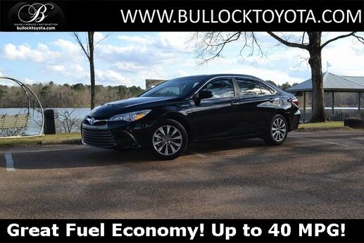 2017 Toyota Camry Hybrid XLE Louisville MS