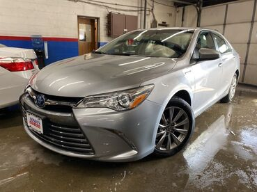 2017_Toyota_Camry_Hybrid XLE_ Worcester MA