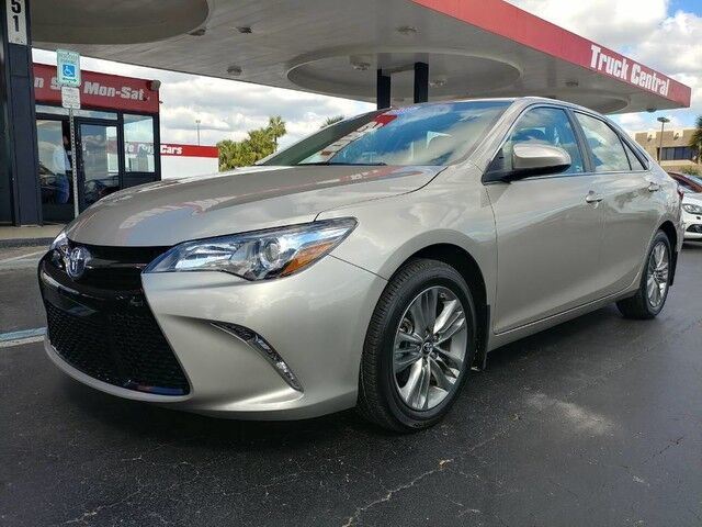 2017_Toyota_Camry_SE_ Fort Myers FL
