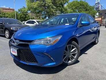 2017_Toyota_Camry_SE_ Worcester MA