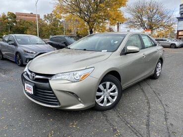 2017_Toyota_Camry_XLE_ Worcester MA