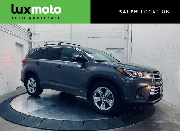 2017_Toyota_Highlander_AWD Hybrid Limited 7-Passenger Backup Camera_ Salem OR